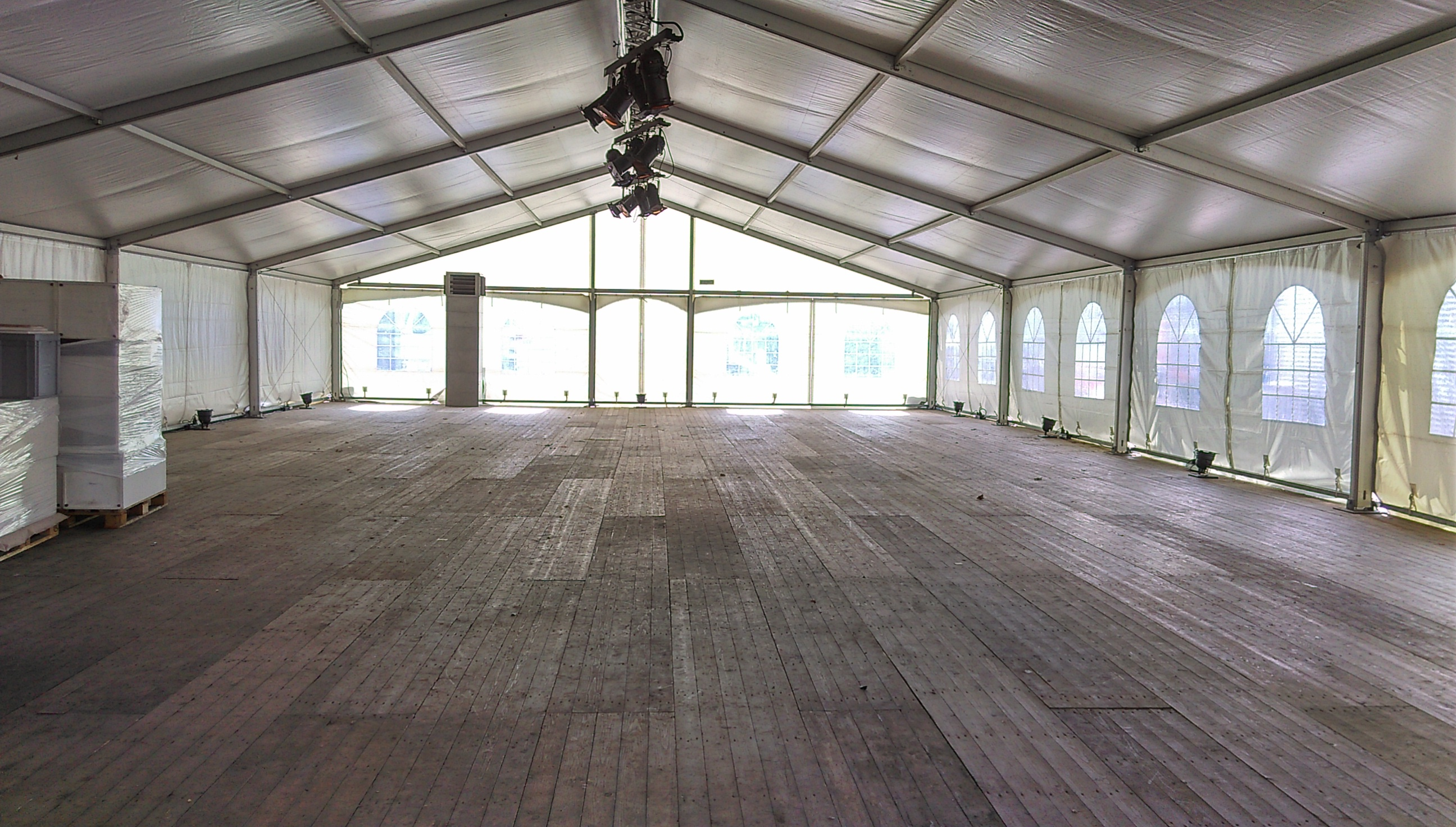 Alu constructie tent 10,5×15,5m | Van Sambeeck Tenten Verhuur